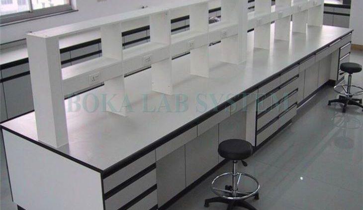 میز آزمایشگاهی چوبی