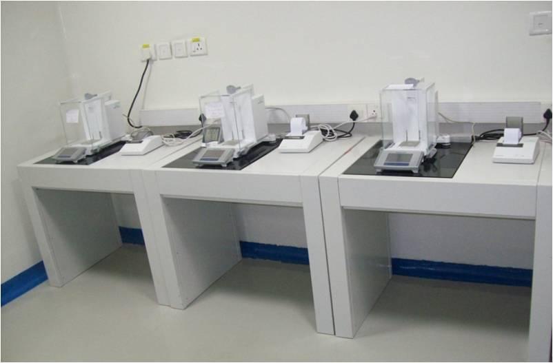 میز ترازوی آزمایشگاهی
